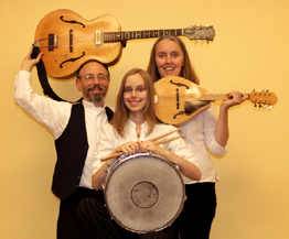 Image of Jutta & the Hi-Dukes as a trio.